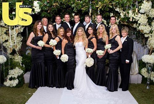 Темные платья подружек невесты